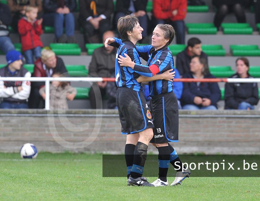 Club Brugge Dames : vreugde bij Ingrid de Rycke en Christine Saelens na de wedstrijd.foto DAVID CATRY / Vrouwenteam.be
