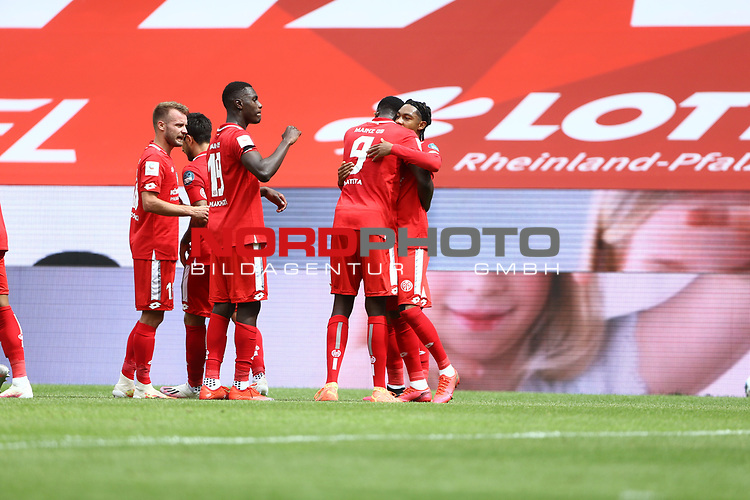 Jean Paul Boetius (FSV Mainz 05) bejubelt den Treffer zum 2:0 mit Jean Philippe Mateta (FSV Mainz 05), FSV Mainz 05 vs SV Werder Bremen, Fussball, 1. Bundesliga, 20.06.2020<br /> <br /> Foto: Neis/Eibner/Pool<br /> <br /> DFB regulations prohibit any use of photographs as image sequences and/or quasi-video.<br /> Editorial Use ONLY<br /> National and International News Agencies OUT<br /> <br /> Foto: Wagner/Witters/Pool//via gumzmedia/nordphoto<br /> <br /> <br />  DFL REGULATIONS PROHIBIT ANY USE OF PHOTOGRAPHS AS IMAGE SEQUENCES AND OR QUASI VIDEO<br /> EDITORIAL USE ONLY<br /> NATIONAL AND INTERNATIONAL NEWS AGENCIES OUT