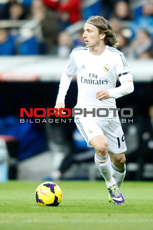Real Madrid¬¥s Modric during La Liga 2013-14 match at Bernabeu Stadium in Madrid, Spain. November 30, 2013. (Foto © nph /  /Victor Blanco)