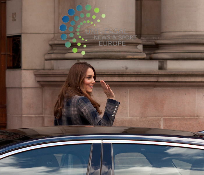 The Duke and Duchess of Cambridge visit Glasgow today. 04 April 2013 .Picture: Craig Jardine Universal News And Sport (Europe) .All pictures must be credited to www.universalnewsandsport.com. (Office)0844 884 51 22.