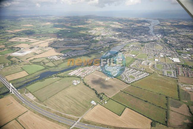 Aerial photograph of Drogheda and surrounding areas showing the M1 Boyne Bridge and following the Boyne river out to its mouth looking north east. 02/09/05...Photo NEWSFILE/Fran Caffrey.(Photo credit should read Fran Caffrey/NEWSFILE)....This Picture has been sent you under the condtions enclosed by:.Newsfile Ltd..The Studio,.Millmount Abbey,.Drogheda,.Co Meath..Ireland..Tel: +353(0)41-9871240.Fax: +353(0)41-9871260.GSM: +353(0)86-2500958.email: pictures@newsfile.ie.www.newsfile.ie.FTP: 193.120.102.198...This picture is from Fran Caffrey@newsfile.ie