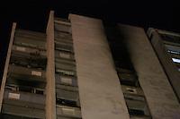 RIO DE JANEIRO, RJ, 25.05.2015 - INCÊNDIO-RJ - Incêndio em prédio residencial no apartamento 603 da Rua Pinheiro Machado 181, em Laranjeiras, zona sul da cidade, nesta segunda-feira, 25. (Foto: Gustavo Serebrenick/Brazil Photo Press)