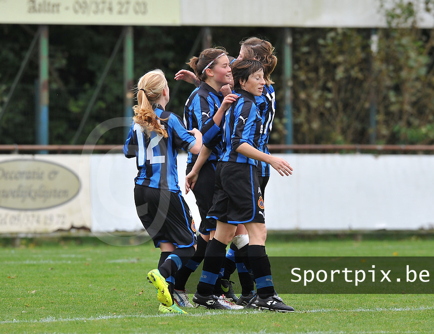 Club Brugge Dames : vreugde bij Club na het doelpunt van Charlotte Laridon.foto DAVID CATRY / Vrouwenteam.be