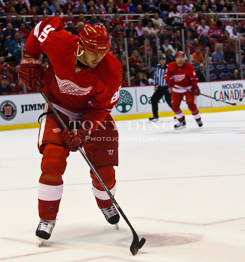 12 October 2010: Detroit Red Wings forward Mike Modano (90) handles the puck in the second period of the Colorado Avalanche at Detroit Red Wings NHL hockey game, at Joe Louis Arena, in Detroit, MI...***** Editorial Use Only *****