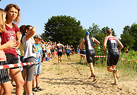 Teilnehmer kommen aus dem Wasser - Mörfelden-Walldorf 21.07.2019: 11. MoeWathlon