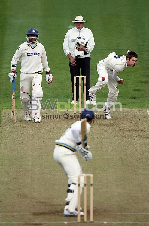 PICTURE BY VAUGHN RIDLEY/SWPIX.COM - Cricket - Pre-Season Friendly - Yorkshire IX v Yorkshire IX - Headingley, Leeds, England - 15/04/09...Copyright - Simon Wilkinson - 07811267706...Yorkshire's Richard Pyrah bowls as Jacques Rudolph looks on.
