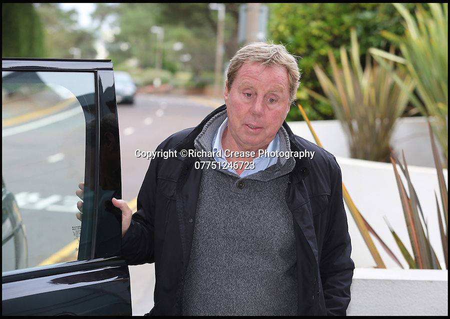 BNPS.co.uk (01202 558833)<br /> Pic: RichardCrease/BNPS<br /> <br /> Harry Redknapp returns to his home in Sandbanks, Poole, with his wife Sandra after she was injured getting out their car while on a shopping trip.