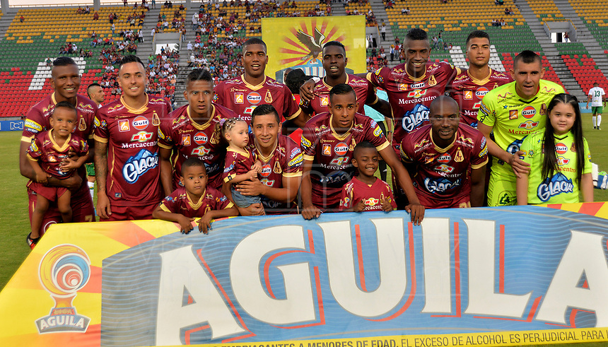 IBAGUÉ - COLOMBIA, 16-08-2016: Deportes Tolima y Atlético Bucaramanga en partido por la fecha 16 de la Liga Águila II 2017 jugado en el estadio Manuel Murillo Toro de Ibagué. / Deportes Tolima and Atletico Bucaramanga in match for date 16 of the Aguila League II 2017 played at Manuel Murillo Toro stadium in Ibague city. Photo: VizzorImage / Juan Carlos Escobar / Cont