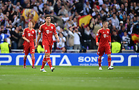 FUSSBALL   CHAMPIONS LEAGUE SAISON 2011/2012  HALBFINALE  RUECKSPIEL      Real Madrid - FC Bayern Muenchen           25.04.2012 Mario Gomez und Bastian Schweinsteiger (v.l., beide FC Bayern Muenchen) sind enttaeuscht