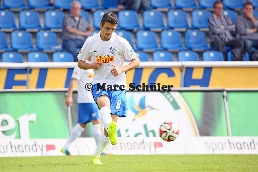 Anthony Losilla (Bochum) zieht ab - FSV Frankfurt vs. VfL Bochum, Frankfurter Volksbank Stadion