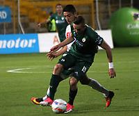 BOGOTA - COLOMBIA - 21 - 08 - 2017: Jean Carlos Blanco (Der.) jugador de La Equidad disputa el balón con Franco Bolo (Izq.) jugador del Atlético Huila , durante partido entre La Equidad y Atlético Huila ,  por la fecha 9 de la Liga Aguila II-2017, jugado en el estadio Metropolitano de Techo de la ciudad de Bogota. / Jean Carlos Blanco (R) player of La Equidad vies for the ball with Franco Bolo (L) player of Atletico Huila, during a match between La Equidad and Atletico Huila , for the  date 9nd of the Liga Aguila II-2017 at the Metropolitano de Techo Stadium in Bogota city, Photo: VizzorImage  /Felipe Caicedo / Staff.
