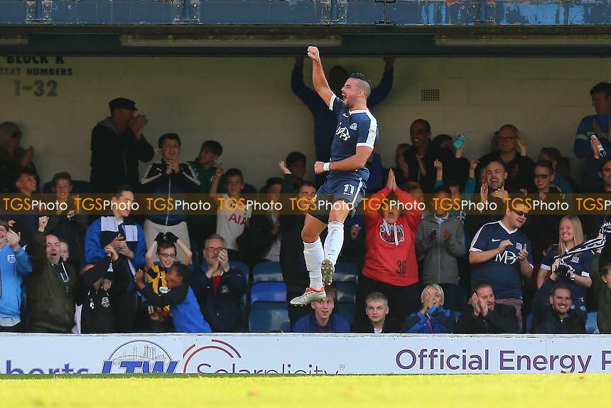 Stephen McLaughlin of Southend United scores the first goal for his team and celebrates during Southend United vs Shrewsbury Town, Sky Bet EFL League 1 Football at Roots Hall on 29th October 2016