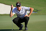 Ian Poulter lines up his putt on the 15th green during Day 2 of the Dubai World Championship, Earth Course, Jumeirah Golf Estates, Dubai, 26th November 2010..(Picture Eoin Clarke/www.golffile.ie)