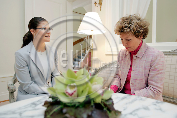 STRASBOURG - FRANCE -05 MAY 2004 --Crown Princess Victoria Ingrid Alice Desiree of Sweden visiting Strasbourg.-- Crown Princess Victoria (L) talking to Amelia ADAMO, the Editor in Chief of the Swedish magazine Amelia. -- PHOTO: JUHA ROININEN / EUP-IMAGES