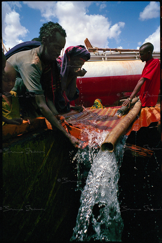 Wargaddud, NE Kenya, March 2006..A private tanker truck brings water into the village's cistern twice a week. More than 4 millions people are affected in the region by the worst drought in man's memory. The livestock is decimated and a whole lifestyle threatened.