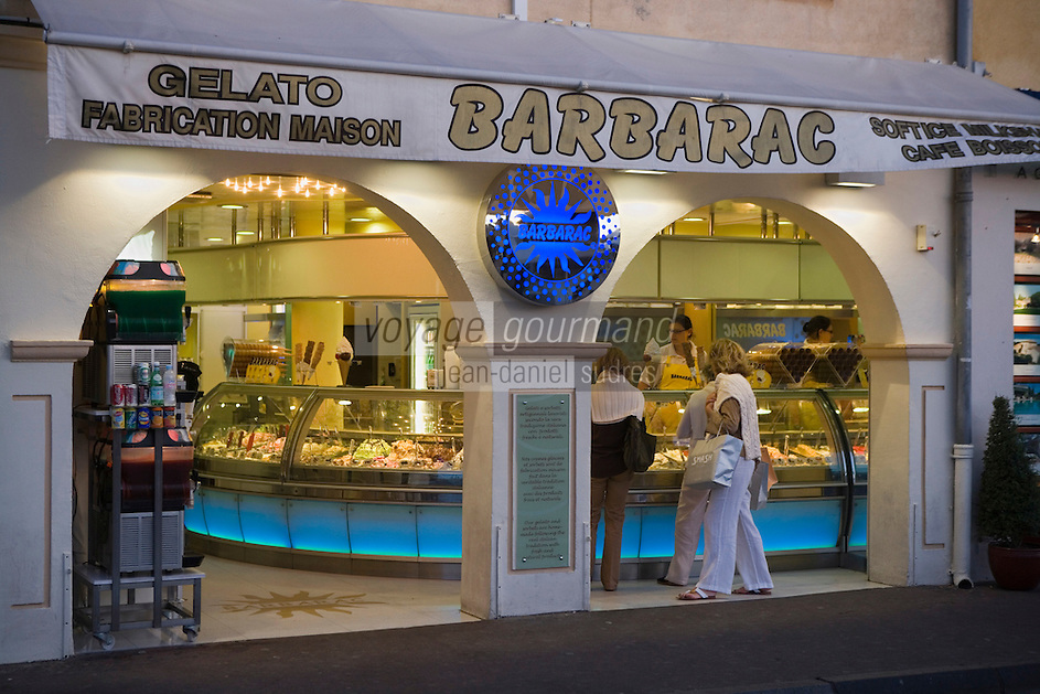 """Europe/Provence-Alpes-Côte d'Azur/83/Var/Saint-Tropez:Chez """"Barbarac"""" le glacier vedette du port"""