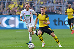 06.10.2018, Signal Iduna Park, Dortmund, GER, DFL, BL, Borussia Dortmund vs FC Augsburg, DFL regulations prohibit any use of photographs as image sequences and/or quasi-video<br /> <br /> im Bild v. li. im Zweikampf Andre Hahn (#28, FC Augsburg) Sergio Gomez (#34, Borussia Dortmund) <br /> <br /> Foto &copy; nph/Horst Mauelshagen