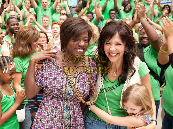 VIOLA DAVIS, MAGGIE GYLLENHAAL.in Won't Back Down (2012).*Filmstill - Editorial Use Only*.CAP/FB.Supplied by Capital Pictures.