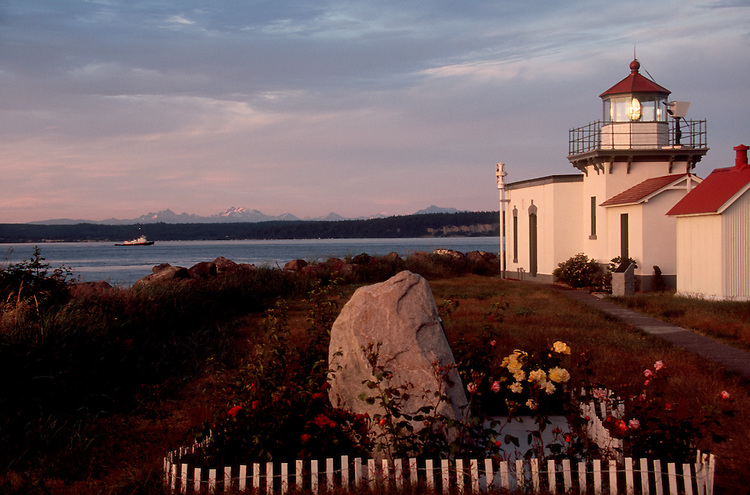 Puget Sound, Point No Point, Lighthouse, Kitsap County, Olympic Peninsula, Washington State, Pacific Northwest, USA, WWRP, Kitsap County Parks and Recreation, Water Access,