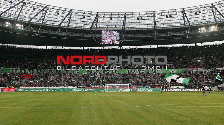 22.01.2011, AWD Arena, Hannover, GER, 1.FBL, Hannover 96 vs FC Schalke 04, im Bild die Fans von Hannover 96 Foto © nph / Schrader
