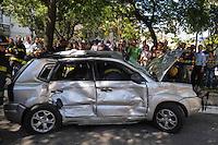 SAO PAULO, SP, 10 DEZEMBRO 2012 - ACIDENTE TRANSITO - AUTO X ONIBUS - Um ônibus e dois carros se envolveram em um acidente no Cruzamento da Avenida Paulista com a Praça Oswaldo Cruz, na capital paulista, nesta segunda-feira. (FOTO: ADRIANO LIMA / BRAZIL PHOTO PRESS).