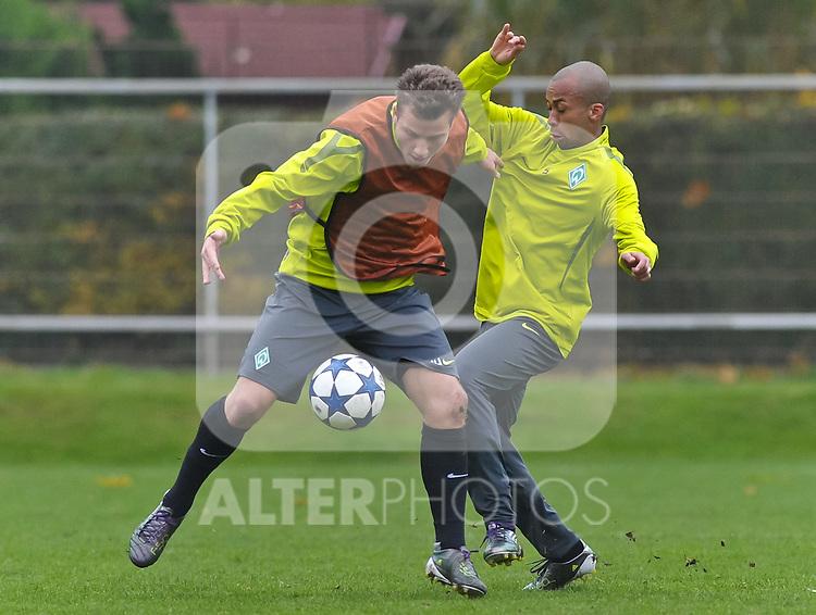 01.11.2010, Platz 11, Bremen, GER, UEFA CL,  Training Werder Bremen, im Bild Philipp Bargfrede (Bremen #44, links), Wesley (Bremen #5, rechts)   Foto © nph / Frisch