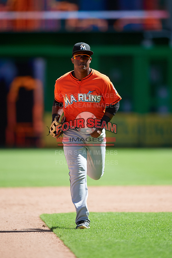 Miami Marlins Isael Soto (15) jogs off the field between innings during a Florida Instructional League game against the Washington Nationals on September 26, 2018 at the Marlins Park in Miami, Florida.  (Mike Janes/Four Seam Images)