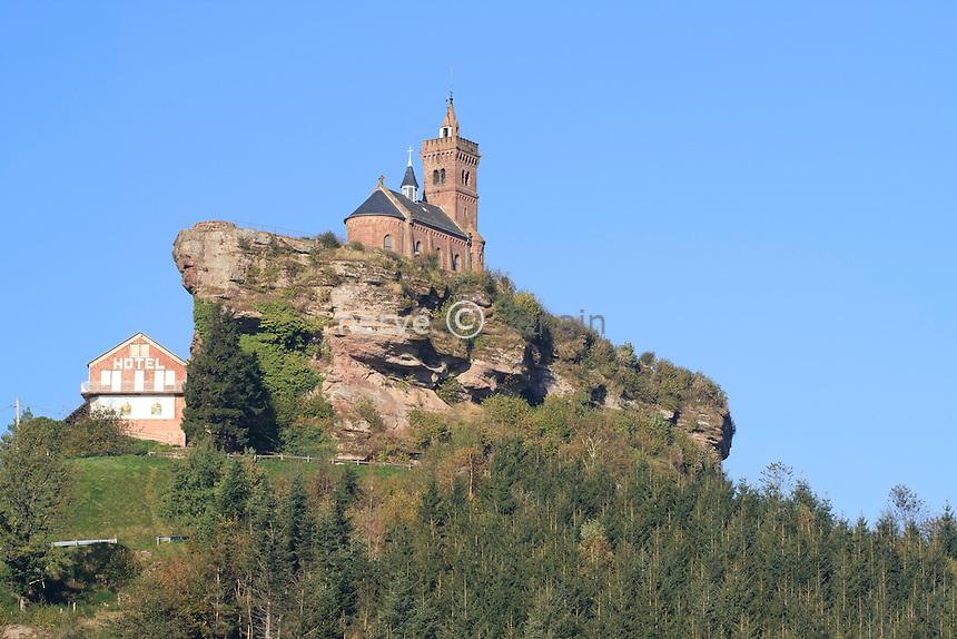 France, Lorraine, Moselle (57), Dabo, rocher de Dabo, chapelle de Dabo ou chapelle Saint-Léon // France, Lorraine, Moselle, Dabo, Rock Dabo, Dabo Chapel or Chapel of St. Leo
