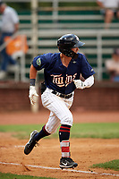 Elizabethton Twins left fielder DaShawn Keirsey (8) runs to first base during a game against the Bristol Pirates on July 29, 2018 at Joe O'Brien Field in Elizabethton, Tennessee.  Bristol defeated Elizabethton 7-4.  (Mike Janes/Four Seam Images)