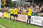 2015-10-25 / Voetbal / seizoen 2015-2016 / KSK Heist - K Lierse SK / svbo / Lierse viert de overwinning tegen Heist met de supporters<br /><br />Foto: Mpics.be