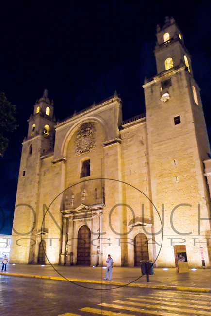 The Iglesias de Jesus (Church of Jesus), the Cathedral in Merida is one of the largest in Latin America. Work began on the Cathedral in 1561, and it was completed in 1598.