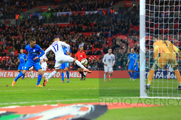Alex Oxlade-Chamberlain of England goes close to scoring a fourth goal - England vs. Slovenia - UEFA Euro 2016 Qualifying - Wembley Stadium - London - 15/11/2014 Pic Philip Oldham/Sportimage