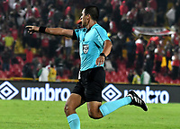 BOGOTÁ-COLOMBIA, 09-02-2019: Ferney Trujillo, árbitro durante partido de la fecha 4 entre Independiente Santa Fe y Deportes Tolima, por la Liga Aguila I 2019, en el estadio Nemesio Camacho El Campin de la ciudad de Bogotá. / FerneyTrujillo, referee during a match of the 4th date between Independiente Santa Fe and Deportes Tolima, for the Liga Aguila I 2019 at the Nemesio Camacho El Campin Stadium in Bogota city, Photo: VizzorImage / Luis Ramírez / Staff.