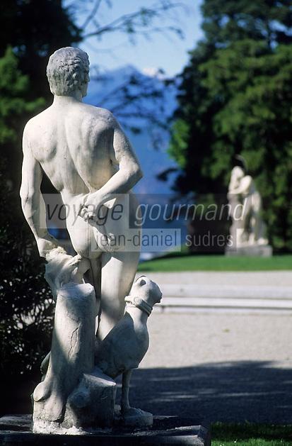 Europe/Italie/Lac de Come/Lombardie/Bellagio : Villa Melzi - Statue dans les jardins
