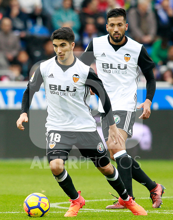 Valencia CF's Carlos Soler (l) and Ezequiel Garay during La Liga match. October 28,2017. (ALTERPHOTOS/Acero)