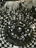 Grand Hotel (1932) <br /> *Filmstill - Editorial Use Only*<br /> CAP/MFS<br /> Image supplied by Capital Pictures