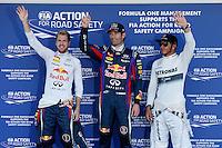 SUZUKA, JAPAO, 12.10.2013 - F1 - GP DO JAPAO TREINO CLASSIFICATORIO - (E/D) Os pilotos alemao Sebastian Vettel da Red Bull , o australiano Mark Webber da Red Bull e o britanico Lewis Hamilton apos o treino classificatorio para o Grande Premio do Japao que acontece amanha em Suzuka. (Foto: Pixathlon / Brazil Photo Press).