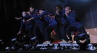 1050 Jahre Eilenburg. Stadtfest. Konzert auf der PSR-Buehne. Die Berliner Band Culcha Candela startet senkrecht! Das Eilenburger Publikum geht mit. im Bild: Laola fuer EIlenburg.  Foto: Alexander Bley