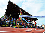 Jenny Simpson of the USA crosses the finish line to win the Women's 1500 meters on the final day of the Prefontaine Classic at Hayward Field in Eugene, Oregon, USA, 30 MAY 2015. (EPA photo by Steve Dykes)