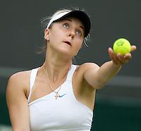 Viktoriya Kutuzova (UKR) against Maria Sharapova (RUS) (24)in the first round of the Ladies SIngles. Sharapova beat Kutuzova 7-5 6-4  ..Tennis - Wimbledon - Day 1 - Mon 22nd June 2009 - All England Lawn Tennis Club  - Wimbledon - London - United Kingdom..Frey Images, Barry House, 20-22 Worple Road, London, SW19 4DH.Tel - +44 20 8947 0100.Cell - +44 7843 383 012..