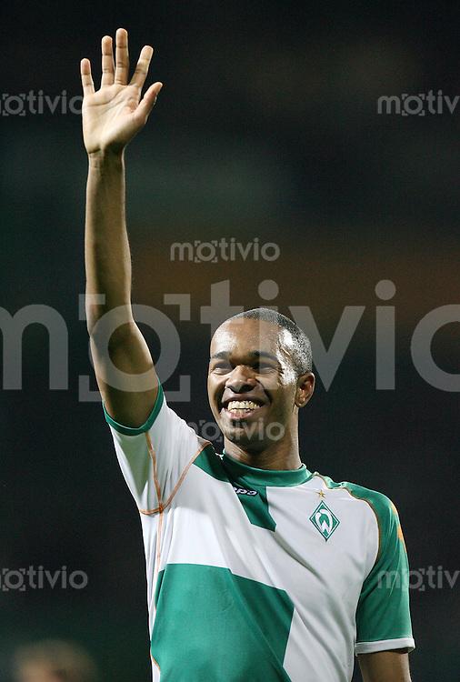 Fussball   UEFA CUP   Saison 2006/2007 NALDO (SV Werder Bremen) winkt