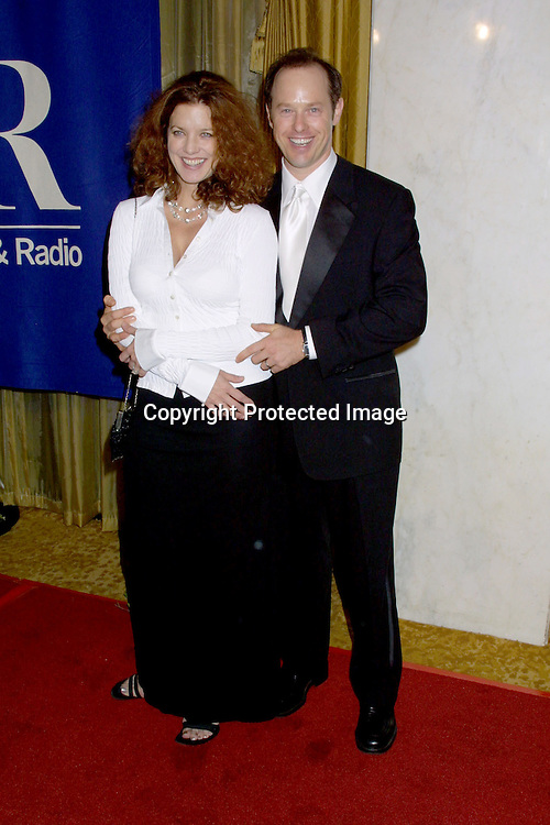 ©2002 KATHY HUTCHINS / HUTCHINS PHOTO.MUSEUM OF TV AND RADIO GALA.IHO TED DANSON & DICK WOLF.BEVERLY HILLS, CA.SEPTEMBER 29, 2002..LISA ACKY.RAPHAEL SBARGE