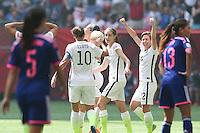 VANCOUVER, CANADÁ, 05.07.2015 - EUA-JAPÃO - Jogadoras dos Estados Unidos comemora gol durante lance com  do Japão jogo válido pela final da Copa do Mundo de Futebol Feminino no Estádio BC Place em Vancouver  no Canadá neste domingo, 05. (Foto: Vanessa Carvalho/Brazil Photo Press)