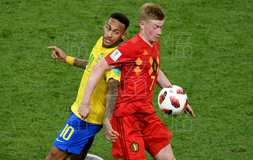 KAZAN - RUSIA, 06-07-2018: NEYMAR (Izq) jugador de Brasil disputa el balón con Kevin DE BRUYNE (Der) jugador de Bélgica durante partido de cuartos de final por la Copa Mundial de la FIFA Rusia 2018 jugado en el estadio Kazan Arena en Kazán, Rusia. / NEYMAR (L) player of Brazil fights the ball with Kevin DE BRUYNE (R) player of Belgium during match of quarter final for the FIFA World Cup Russia 2018 played at Kazan Arena stadium in Kazan, Russia. Photo: VizzorImage / Julian Medina / Cont