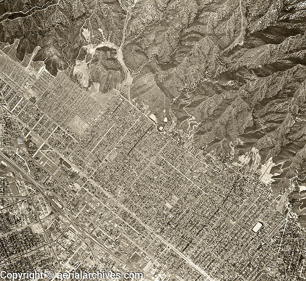 historical aerial photograph Burbank, California, 1952