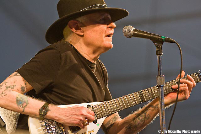 Johnny Winter at Jazz Fest 2009