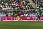 15.07.2017, Borussia Park, Moenchengladbach, GER, TELEKOM CUP 2017 - Borussia Moenchengladnach vs SV Werder Bremen<br /> <br /> im Bild<br /> Max Kruse (Werder Bremen #10) tritt an und trifft / verwandelt gegen Moritz Nicolas (Moenchengladbach #35) Elfmeter zum Finaleinzug, <br /> <br /> Foto &copy; nordphoto / Ewert