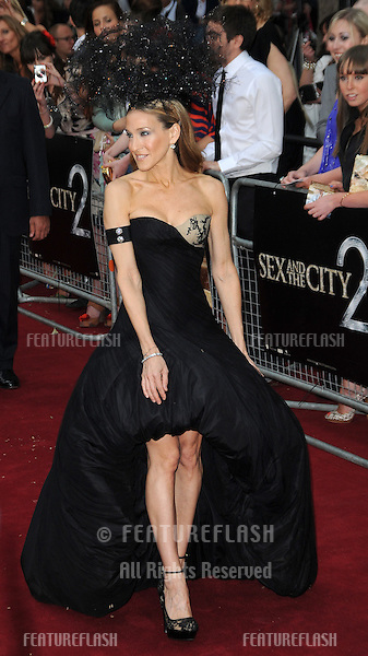 Sarah Jessica Parker attends the Sex and the City 2 UK premiere at the  Odeon Cinema in Leicester Square in London..May 27, 2010.Picture: Anne-Marie Michel / Featureflash