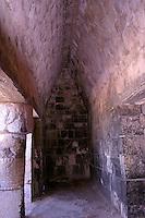 Zona arqueologica de Chichen Itza Zona arqueol&oacute;gica  <br /> Chich&eacute;n Itz&aacute;Chich&eacute;n Itz&aacute; maya: (Chich&eacute;n) Boca del pozo; <br /> de los (Itz&aacute;) brujos de agua. <br /> Es uno de los principales sitios arqueol&oacute;gicos de la <br /> pen&iacute;nsula de Yucat&aacute;n, en M&eacute;xico, ubicado en el municipio de Tinum.<br /> *Photo:*&copy;Francisco*Morales/DAMMPHOTO.COM/NORTEPHOTO