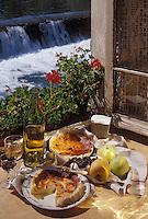 """Europe/France/Midi-Pyrénées/09/Ariège/Engomer: """"La broussade"""" - Tourte faite avec le lait recueilli après fabrication du fromage de montagne"""